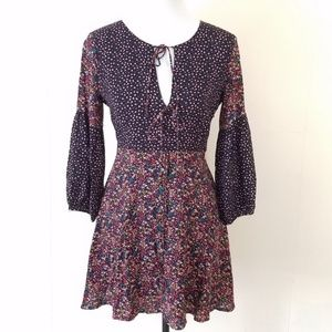 Forever 21 long sleeve floral dress size small